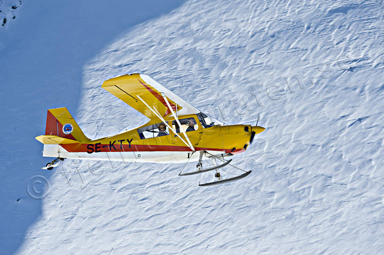 aeroplane, aviation, Bellanca, Citabria, communications, fly, mountain flight, mountains, ski flight, sports flights, sports plane, touch down, winter flying