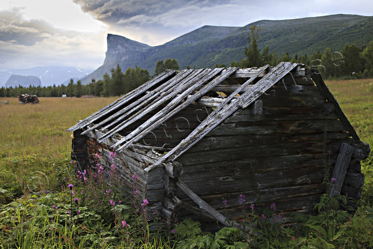 Aktse, barn, landscapes, Lapland, Laponia, mountain, mountain top, Skerfe, Skierfe, summer