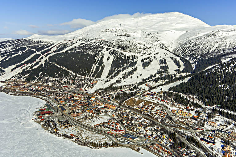 aerial photo, aerial photo, aerial photos, aerial photos, Are, Areskutan, drone aerial, drönarfoto, Jamtland, journeys down, samhällen, ski slopes, winter