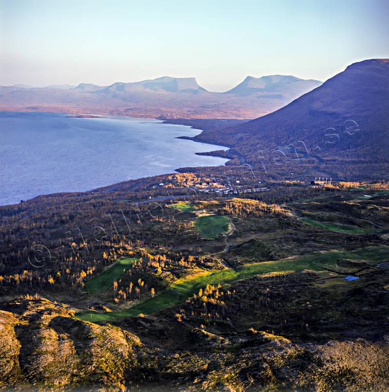 Abisko, aerial photo, aerial pictures, autumn, bjorkliden, drone aerial, fjällbilder, golf course, landscapes, Lapland, Lapporten, samhällen, Swedish Mountains, Torne Träsk