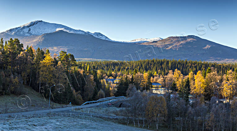 alpine, autumn, autumn colours, autumn morning, birch, birch leaf, bridge, building, buildings, Enafors, Enaforsholm, Enaforsholm friluftsgård, Enan, Jamtland, landscapes, mountain, mountain farm, hill farm, mountain peaks, mountain top, nature, Snasa Mountains, Snasamassivet, Snasen, stone arche bridge, Storsnasen