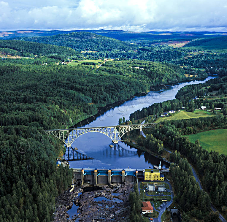 aerial photo, aerial photo, aerial photos, aerial photos, Angerman river, Angermanland, bridges, drone aerial, drönarfoto, electrical power, electricity production, energy, energy production, engineering projects, Forsmo, hydro electric power plant, installations, landscapes, power plants, railway, railway bridge, rivers, summer, work