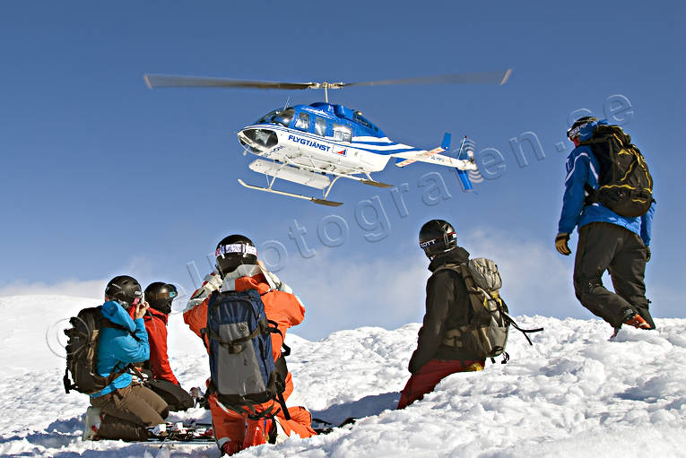 borga, down-hill running, group, helicopter, helikopterskidåkning, offpist, playtime, skier, skies, skiing, sport, winter