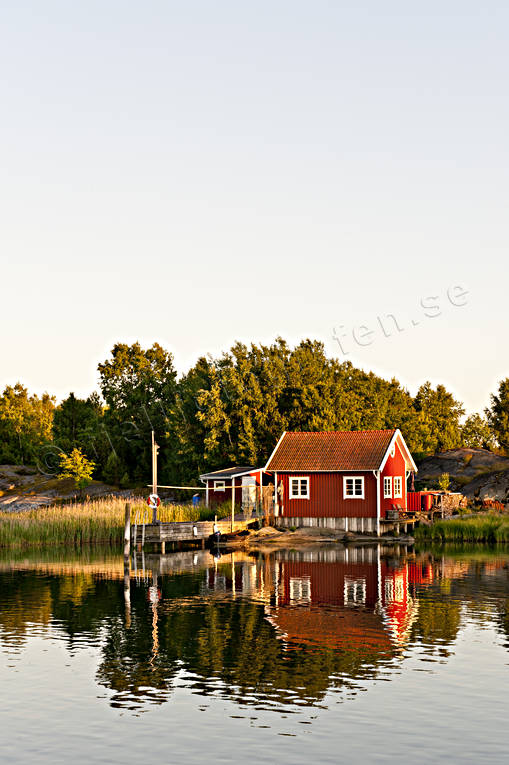 archipelago, boat-house, boat-houses, buildings, coast, cottage, house, lake, landscapes, nature, sea, sky, Västergötland