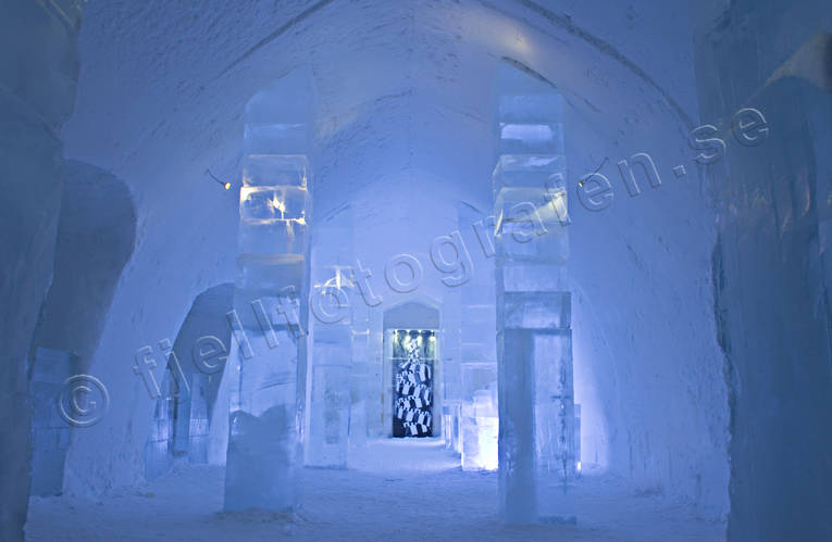 hotell, ice-art, installations, ishotellet, Jukkasjarvi, Lapland, mid-winter, polar night, winter