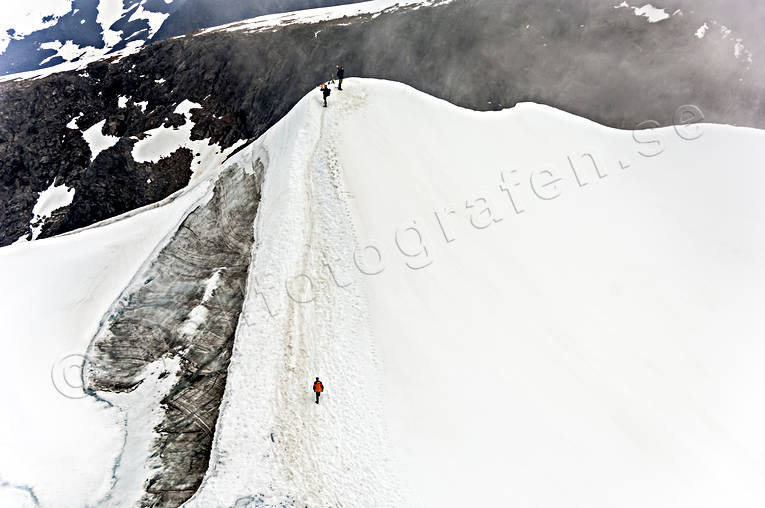 aerial photos, aerial picture, aerial pictures, ascendence, fjällbilder, flygbilder, glacier, glaciäris, ice, Kebnekaise, landscapes, Lapland, mount, mountain top, mountaineer, summer, Swedish Mountains, toppglaciär, wanderer, footer