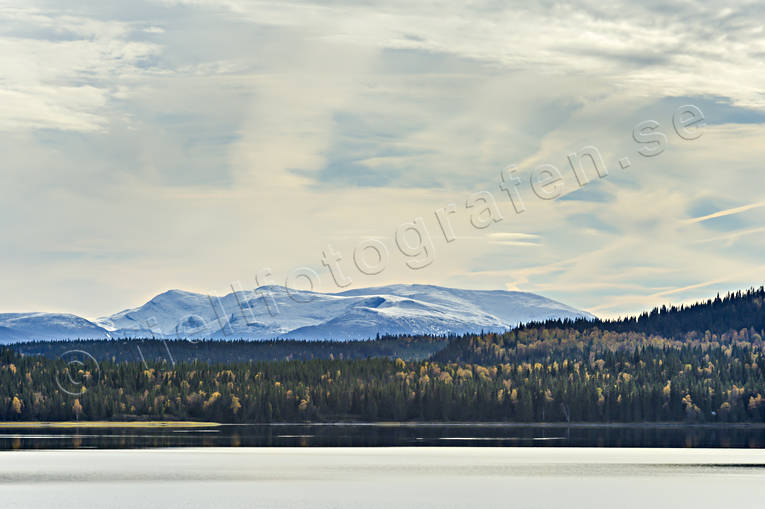 autumn, autumn colours, Jamtland, lake, landscapes, Medstugusjön, mountain, mountain lake, mountain top