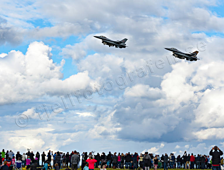 air show, aviation, communications, fly, general aviation, Mid Sweden Air Show, midswedenairshow, show