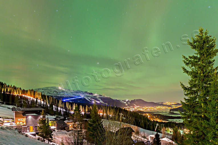 Are, evening, green, Jamtland, landscapes, mountain, nature, northern lights, samhällen, upplyst, winter