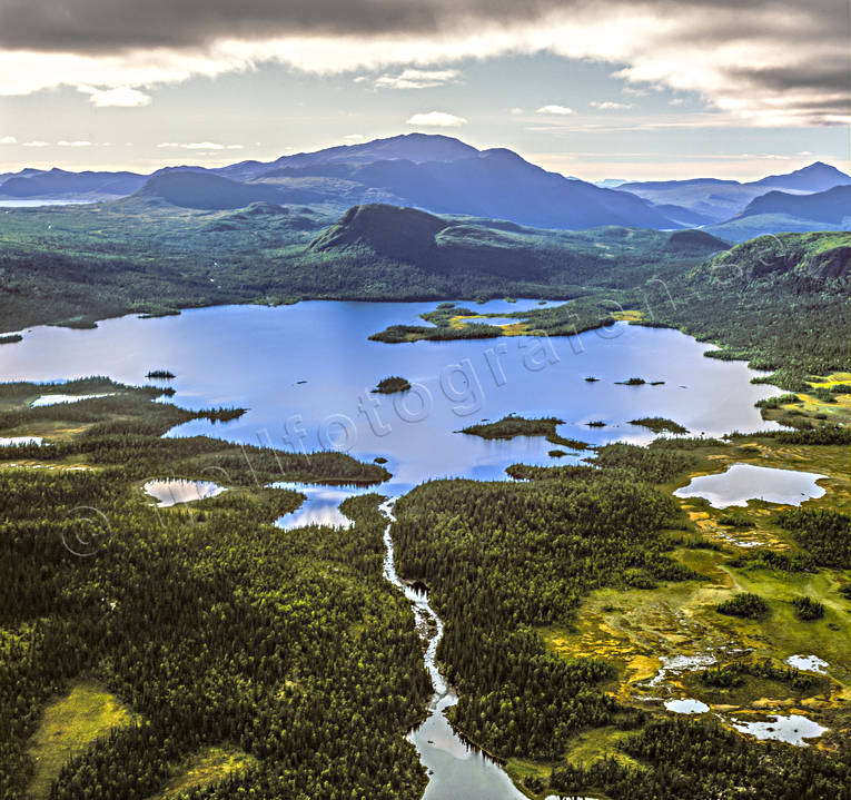 aerial photo, aerial photo, aerial photos, aerial photos, Borkafjallet, drone aerial, drönarfoto, fjällbilder, landscapes, Lapland, mountain, Saxen lake, summer, Swedish Mountains, vildmarkssjö, wasteland, wilderness