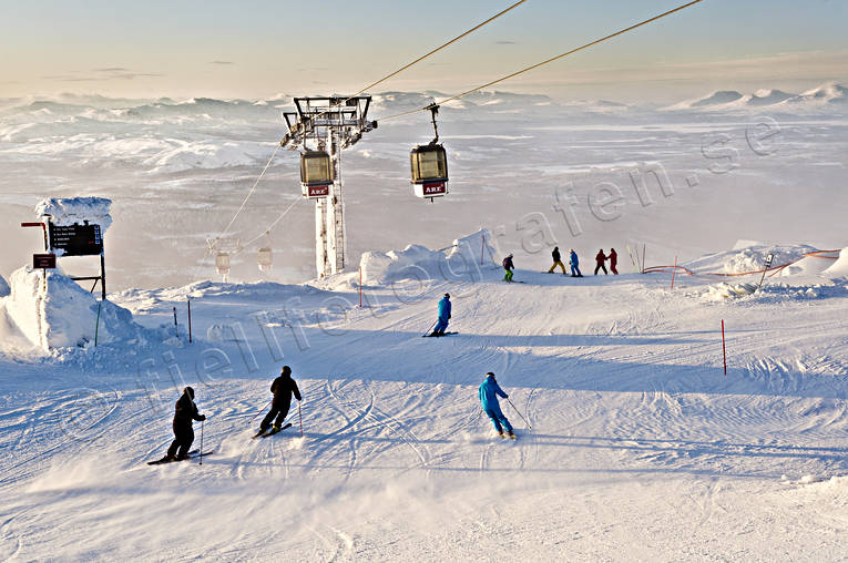 Are, down-hill running, gondola, Jamtland, landscapes, mountain, nature, playtime, seasons, ski-slope, skier, skiing, winter, äventyr