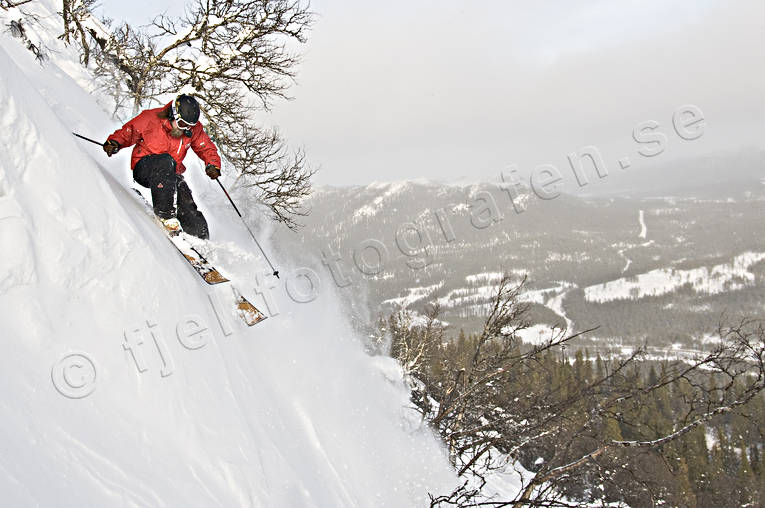 down-hill running, Funasdalen, Funasdalsberget, kalle karlgren, off pist, offpist, playtime, skier, skies, skiing, snow-spray, sport, winter