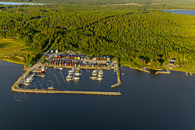 aerial photo, aerial photo, aerial photos, aerial photos, drone aerial, drönarfoto, fishing port, Gulf of Bothnia, jetty, landscapes, North Bothnia, Pitea, Piteå skärgård, port, Renön, small boats, small-boat harbour, summer, wave-breaker