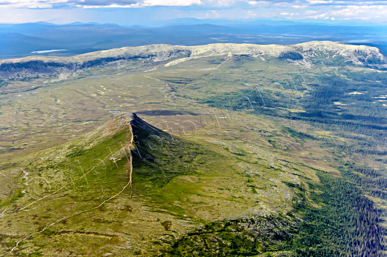 aerial photos, aerial picture, aerial pictures, Dalarna, fjällbilder, flygbilder, landscapes, mountain, mountain crests, mountain top, Nipfjället, stigar, Städjan, summer, Swedish Mountains, vandringsleder