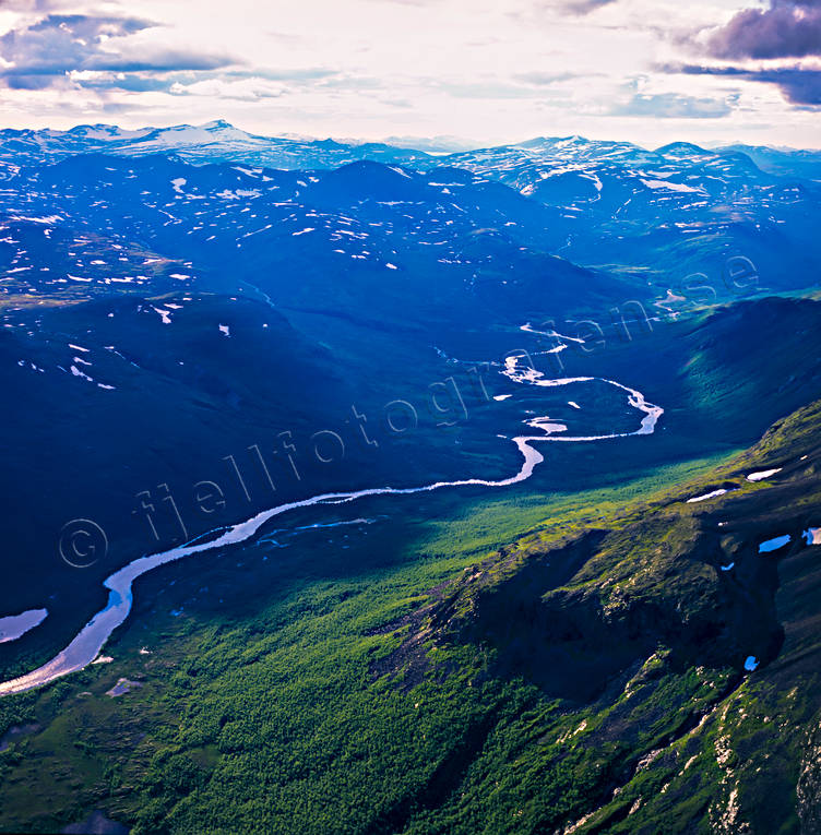 aerial photos, aerial picture, aerial pictures, flygbilder, landscapes, Lapland, mountain, mountain pictures, Padjelanta, Rivkonjunnje, summer, Tarradalen, Tarraätno, watercourse