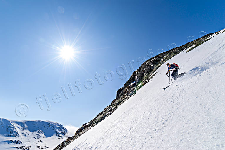 backcountry skiers, down-hill running, mountain, outdoor life, skier, skiing, telemark, winter, äventyr