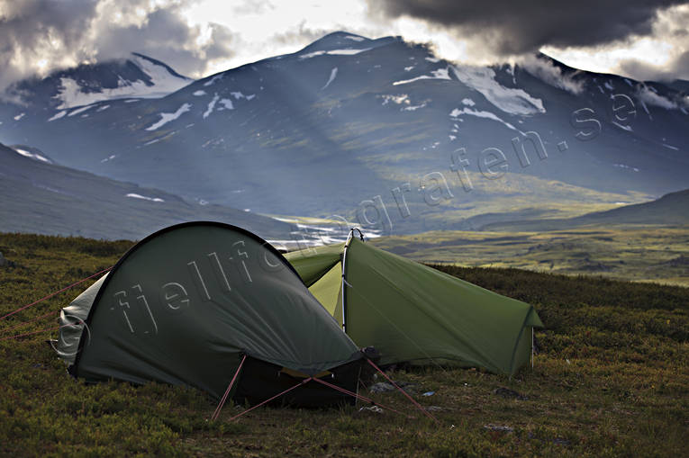alpine, alpine hiking, back-packing, camping, evening light, landscapes, Lapland, Laponia, mountain, mountain peaks, mountain top, mountains, pitch, Sarek, Sarek nationalpark, Sarekfjäll, Skarjatjåhkkå, summer, sunrays, tent, tent camp, tenting