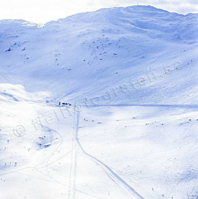 aerial photo, aerial pictures, Areskutan, drone aerial, Jamtland, landscapes, mountain, top summit, Tväråvalvet, winter