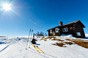 Anaris hut, Anaris Mountains, backlight, cabins, cottage, Jamtland, mountain, mountain hut, mountains, season, seasons, ski touring, skies, skiing, spring-winter, sun, sunshine, swedish, Swedish Tourist Association, trip hut, turistföreningen, winter, YHA hut,, äventyr