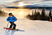 boy, down-hill running, fog, outdoor life, ski-slope, skier, skiing, winter, äventyr
