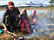 charcoal pancakes, children, cooking, excursion, fire, fire, flott, fried, friluftsmat, fry, meal, mountain, mountains, outdoor life, pancake, pork, utemat, wild-life, äventyr