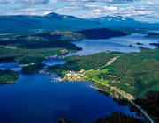 aerial photo, aerial pictures, camping, cottage village, chalet complex, drone aerial, farms, fishing camp, Gardovaratj, Gaskajaure, Gauto, Gauto lake, Gautojaure, Lais river, landscapes, Lapland, Mittisjön, mountain pictures, Padjejaure, summer, Tjäksa