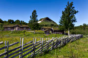 alpine, buildings, cabin, engineering projects, fence, Herjedalen, hill farms, mountain farms, landscapes, life by hill farms, Mittaklappen, mountain, mountain peaks, mountain top, mountains, Stormittåkläppen, summer, summer cottage, summer cottage