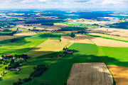 aerial photo, aerial pictures, arable land, crop land, drone aerial, farming lands, fields, Hedvigsnäs, Kårtorp, landscapes, odlingslandskap, summer, Västergötland