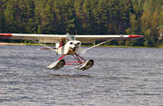 aviation, communications, Cub, fjöflyg, fly, Piper, seaplane, seaplane, super, touch down, touchdown