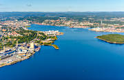 aerial photos, aerial picture, aerial pictures, bay, bay, factory, flygbilder, industries, industristad, installations, landscapes, Medelpad, oil harbour, port, städer, summer, Sundsvall, Sundsvallsbukten, Tjuvholmen, Tjyvholmen