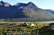 alpine, alpine hiking, back-packer, back-packing, Bielloriehppe, camping, landscapes, Lapland, Laponia, mountain, mountain peaks, mountain top, nature, outdoor life, Pielloreppe, pitch, Rapa Valley, Rapaselet, Sarek, Sarek nationalpark, Sarekfjäll, summer, tent, tent camp, tenting, wild-life