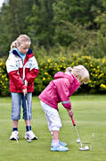children, golf, golf player, golfare, green, green, mjölkeröd, practise, putt, putting, sport, summer, various, youngsters